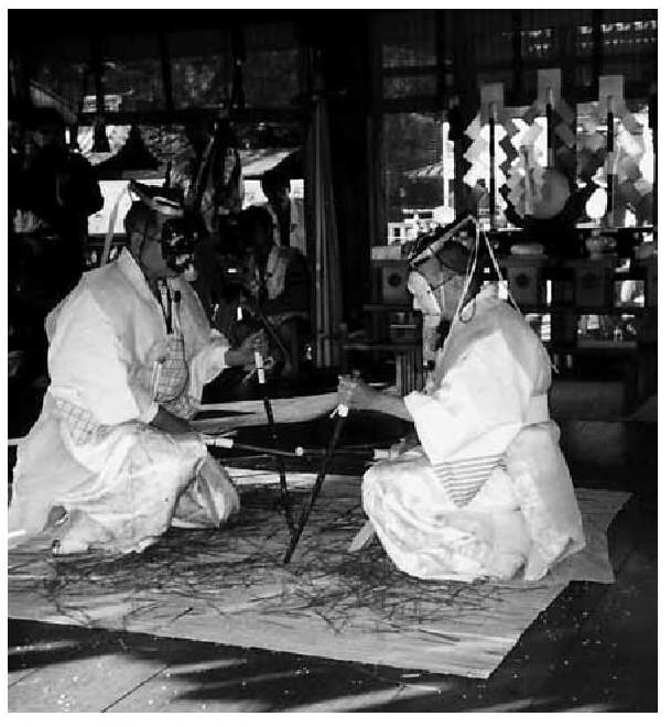 三島神社御田植祭の鳥追